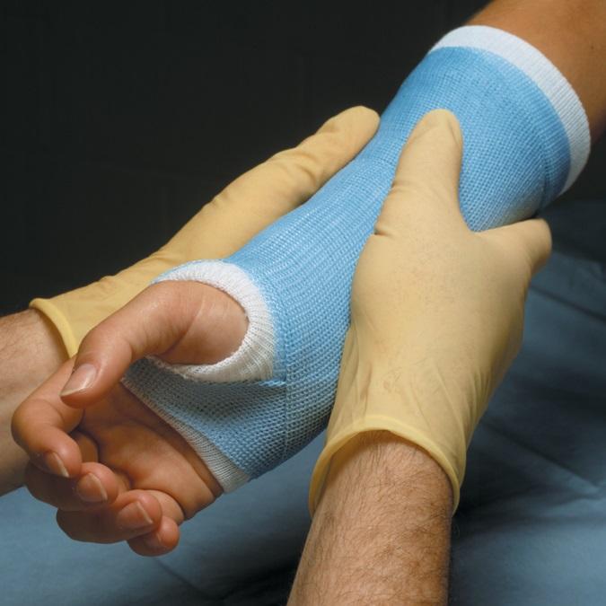 Как сделать поддерживающую повязку для руки - wikiHow 53